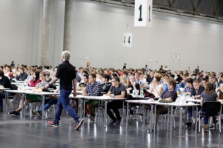 1.277 Bewerber beim Informatik-Aufnahmetest für 941 Plätze in Wien
