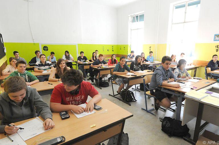 Schüler-Umfrage: Ein Drittel fühlt sich über- oder unterfordert