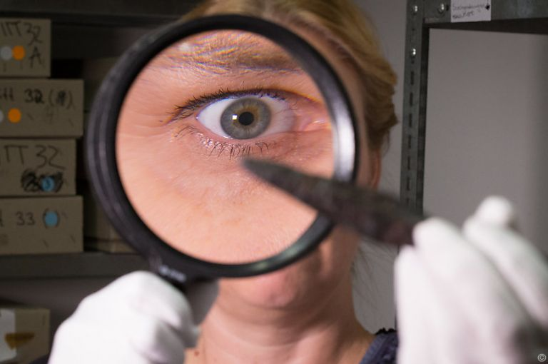Quantenlinsen könnten Licht mit einzelnen Atomen verbinden