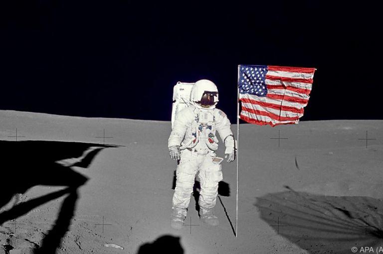 Trump will Astronauten auf dem Mond - und danach auf Mars-Mission