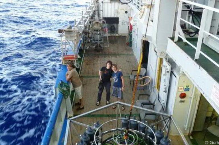 Meeresmikroben: Mehr Wege zur Nahrungsaufnahme mit zunehmender Tiefe