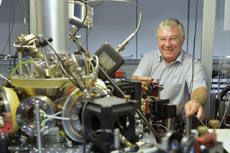 Physiker zeigen Weg zu fehlerfrei laufendem Quantencomputer auf