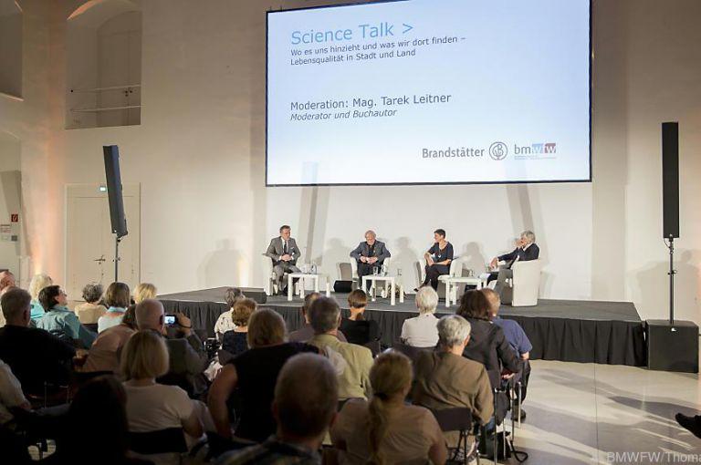 "Science Talk: Sehnsuchtsort ""Bauernhof am Stephansplatz"""