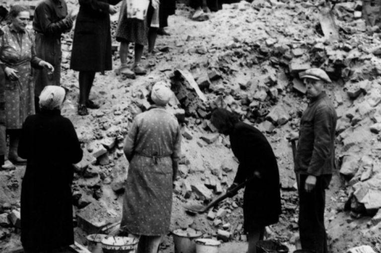 """Nachkriegspropaganda: Verklärung der """"Trümmerfrau"""" kam aus DDR"""