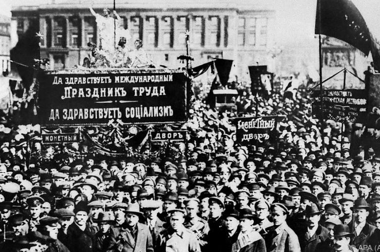 """Von der """"Oktoberrevolution"""" zur """"Großen Russländischen Revolution"""""""