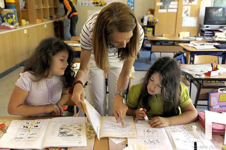 Lehrkräfte in Volksschulen EU-weit fest in weiblicher Hand