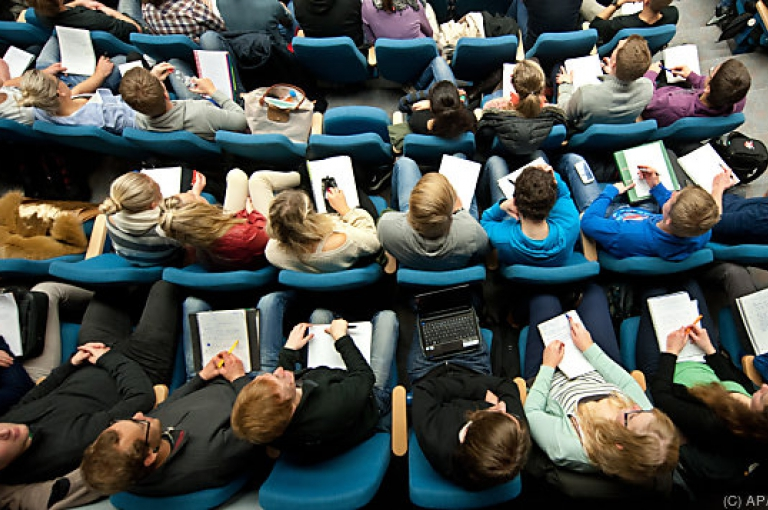 Studienförderung: ÖH kritisiert geplante Novelle zum Studienförderunsgesetz