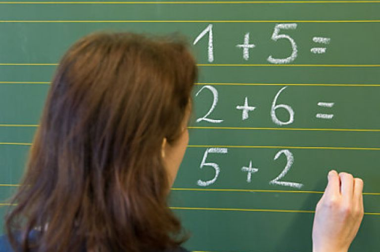 Studie: Druck auf Lehrer ist in ihrer Körpersprache erkennbar