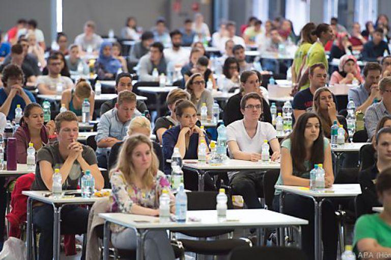 Medizinstudium: Quotenregelung wird wohl halten