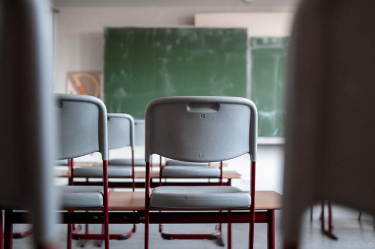 Schulen und Unis wohl noch bis Ende April im Notbetrieb