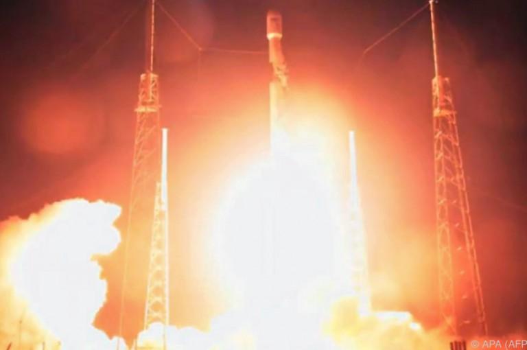 Rakete mit erster israelischer Mondsonde gestartet