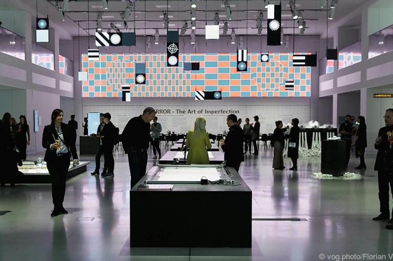 """Ars Electronica bringt """"Error"""" von Linz nach Berlin in VW-Showroom"""