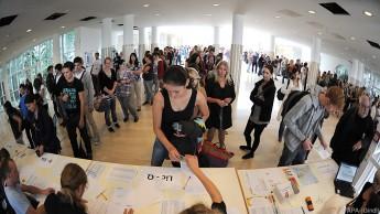 Ausschreibung für 450 neue Anfänger-Studienplätze