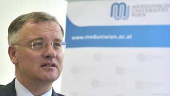 """Rektor Müller: """"Berufungen sind auch eine Sache des Geldes"""""""