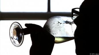 Weintrinker haben laut Studie ein geringeres Demenzrisiko als Biertrinker