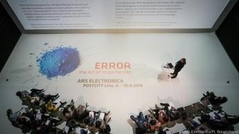 """""""Error"""" ist eine Weiterführung des Themas aus dem Vorjahr """"AI - Das andere Ich"""""""