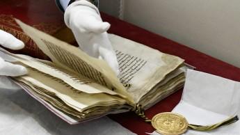 """""""Goldene Bulle"""" aus der Sammlung von Dokumenten"""