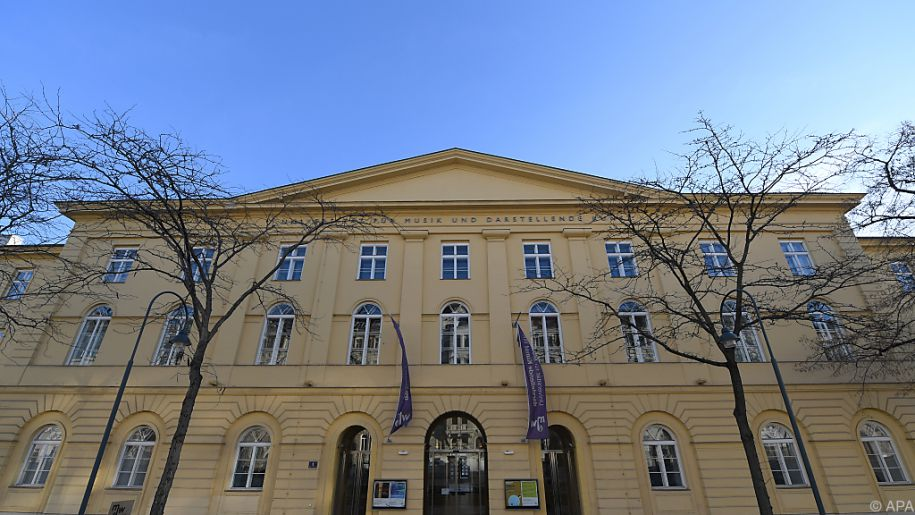 Insgesamt gibt es heute über 100 Studienrichtungen an der mdw