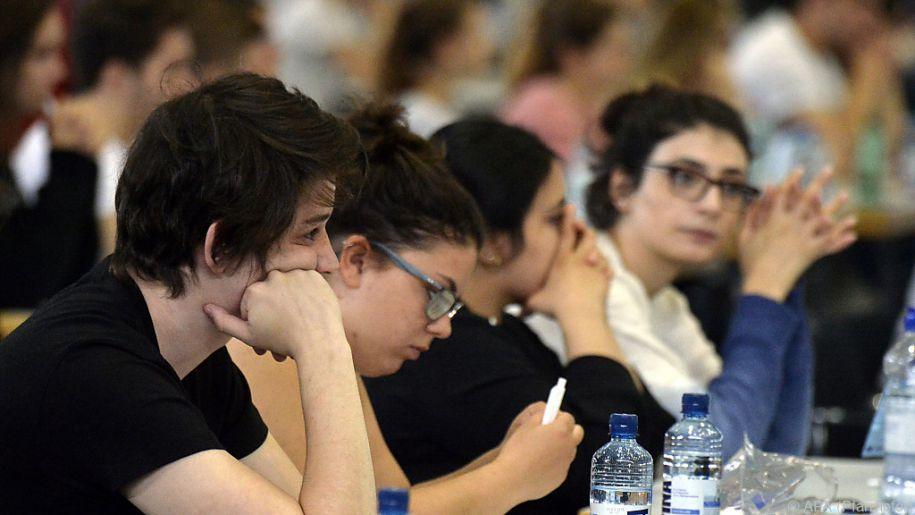 Insgesamt haben sich am Aufnahmetest 12.756 Studienwerber beteiligt