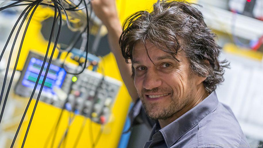 Experimentalphysiker beschäftigt sich mit ultrakalten Quantensystemen