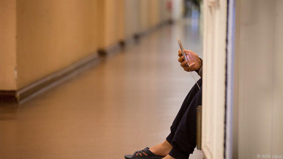 Für Flüchtende ist ein Handy kein bloßer Unterhaltungsgegenstand